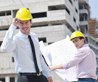 Bautechniker auf der Baustelle